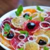 Цитрусовий салат з цибулею
