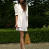 Як носити плаття з кросівками: кілька порад, щоб виглядати стильно