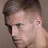 Чоловіча модельна стрижка: фото найпопулярніших варіантів