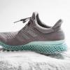 Нічого зайвого: adidas створює кросівки з океанічного сміття - фото