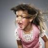 Чому в школі дитина поводиться бездоганно, а вдома влаштовує істерики?