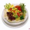 Салат з риби з яйцем і овочами