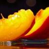 Скільки калорій в персику та чи можна їх їсти під час дієти
